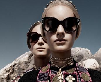 Net zoals gewone brillen zijn ook zonnebrillen verheven tot echte mode accessoires.