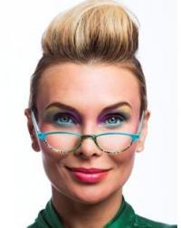 Betrap je jezelf erop dat je boeken of magazines verder van je ogen moet houden om de tekst goed te kunnen lezen? Dan kan het wel eens zijn dat je een leesbril nodig hebt.